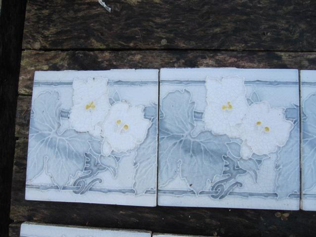 Art Deco Tegels : Stuks art nouveau tegels met afbeelding in creme grijstinten