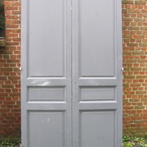 hoge dubbele kastdeuren