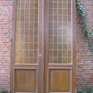 hoge dubbele deuren met glas in lood kamer en suite