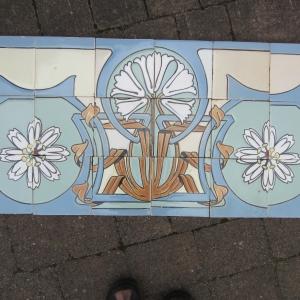 Maison Helman, geveltegels, Antieke wandtegels, art nouveau wandtegels, art deco wandtegels, antieke muurtegels, jaren dertig tegels, witjes