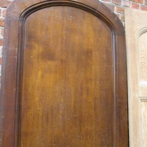 eiken deur met ronde bovenzijde